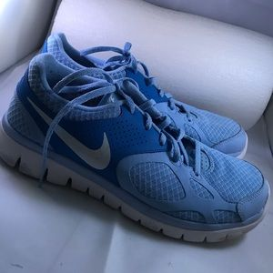 Nike Tennis Shoes w10